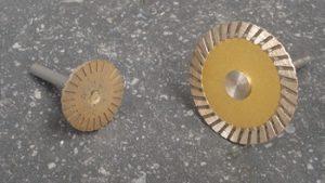 Disques diamantés FRITTES su tige Ø 6 mm (Ø 30 mm et Ø 50 mm )